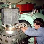 Jan King, W3GEY, prepares AMSAT-OSCAR 7 for a vibration test.